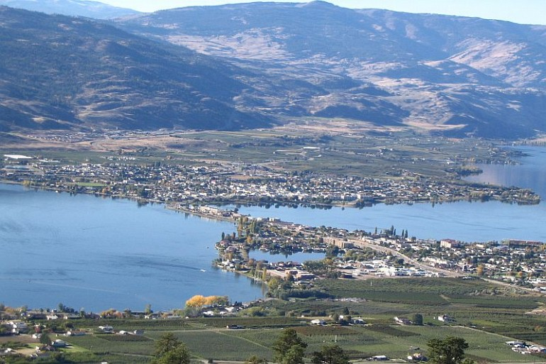 108_Osoyoos_lookout_zoom resized Local Attractions Gallery Image