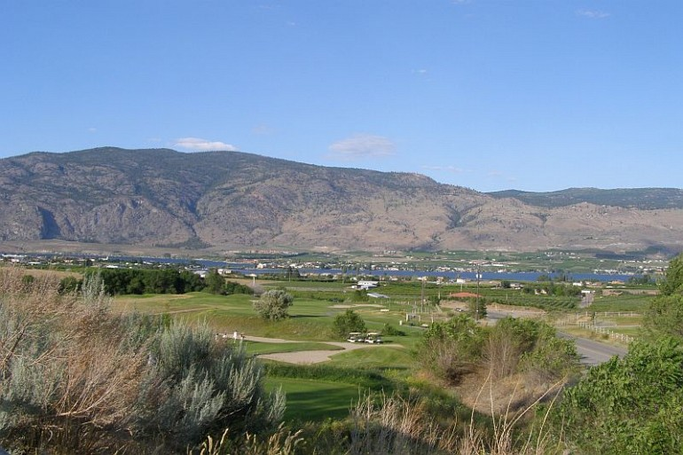 107_Osoyoos_Golf resized Local Attractions Gallery Image